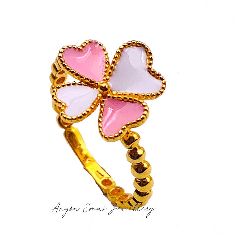 Pearly Clover White Pink Ring